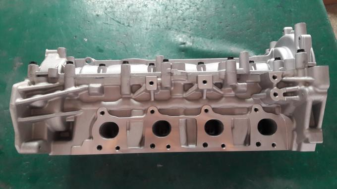 8200519994 Engine Cylinder Head For Renault 2.0TCI 7701477996 7701478149 908525